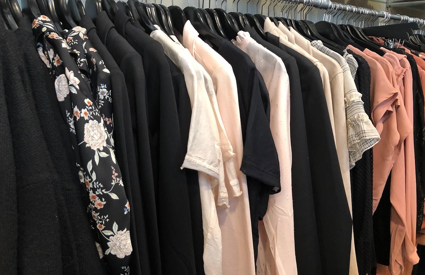 By Schøn i Aalborg sælger modetøj til kvinder