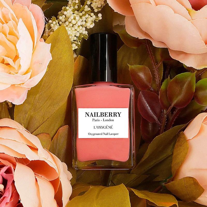 Blomsterfarvet neglelak fra nailberry