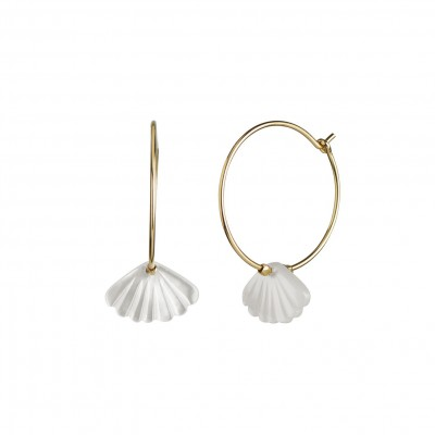 Stine A - Hoop with white seashell earring gold
