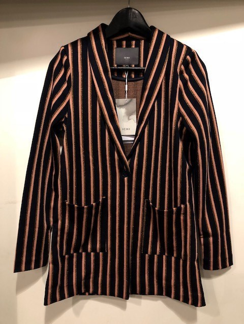 stribet blazer